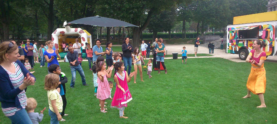 Bollywood in the Parks, éd.3 from 1 Jul to 31 Aug; 15h - 16h; free classes